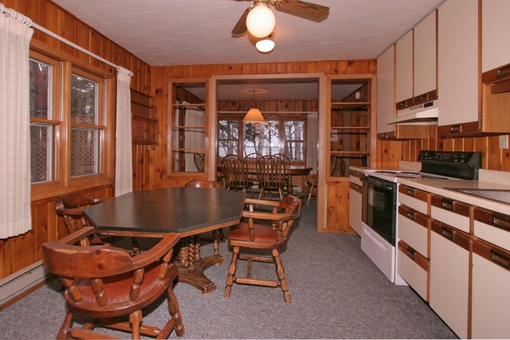 3 Bedroom Villa Kitchen at Ruttger's Birchmont Lodge in Bemidji, MN
