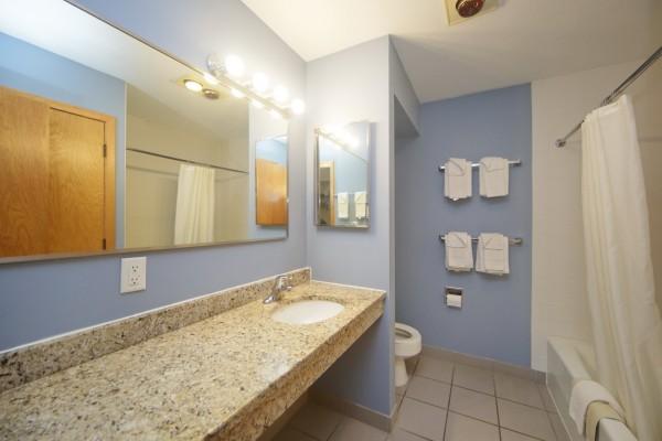 35-bath-vanity-3-16-600x400