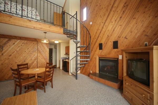 35_fireplace_loft-600x400