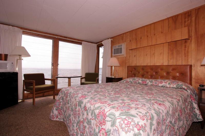 1 Room Cottages at Ruttger's Birchmont Lodge on Lake Bemidji