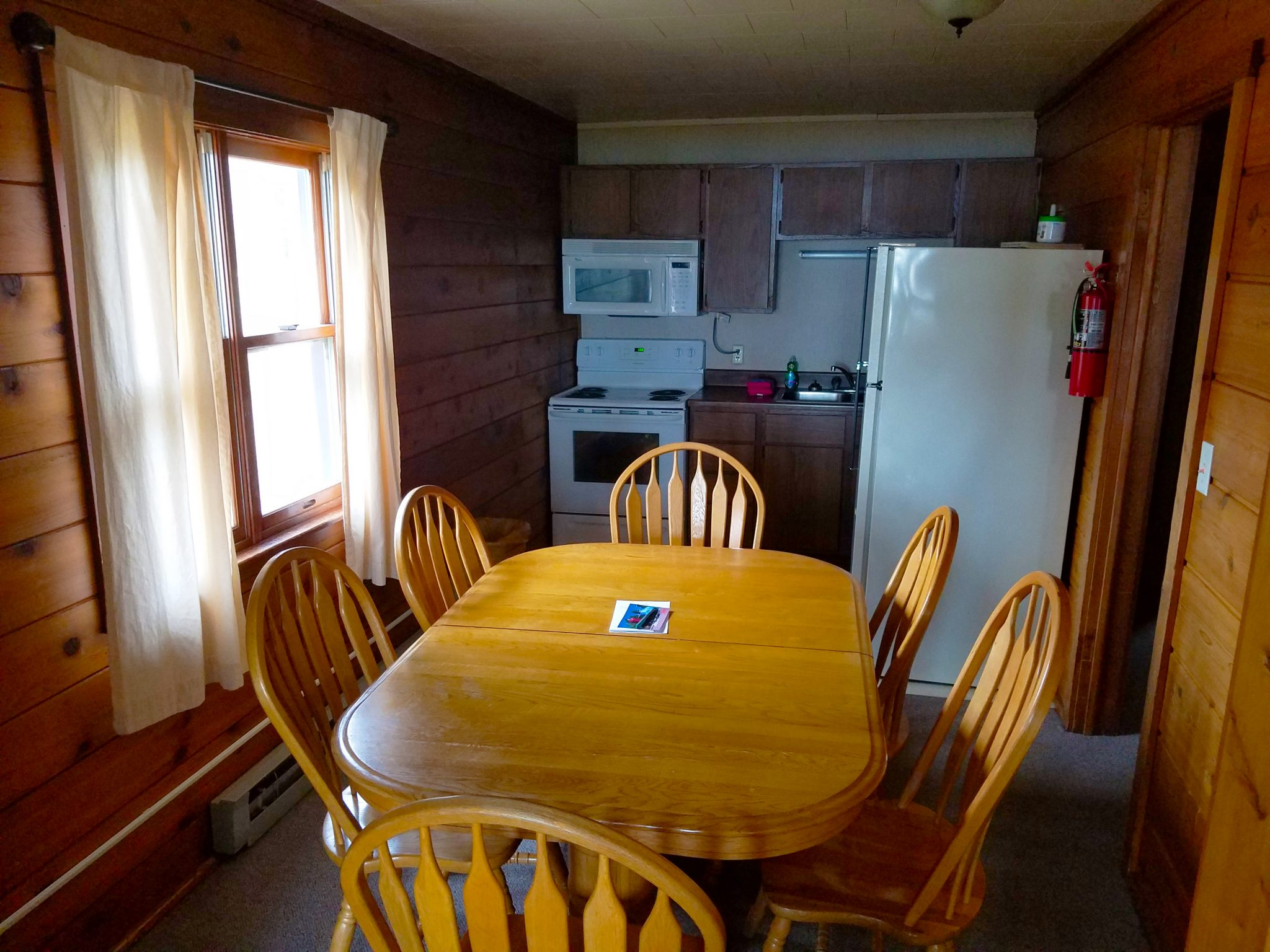 Cabin 24 Dining