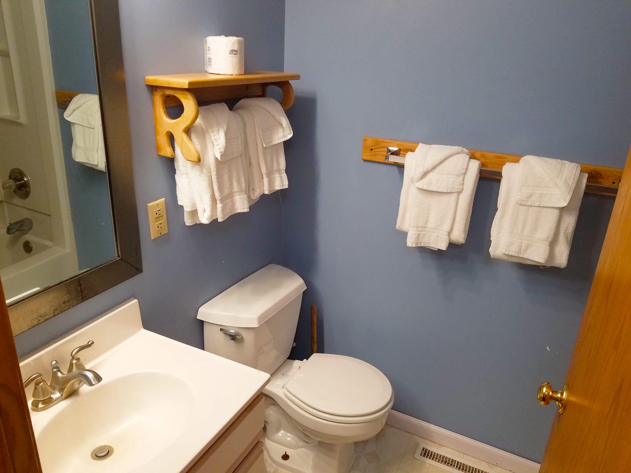 Cabin 27 Bathroom 2