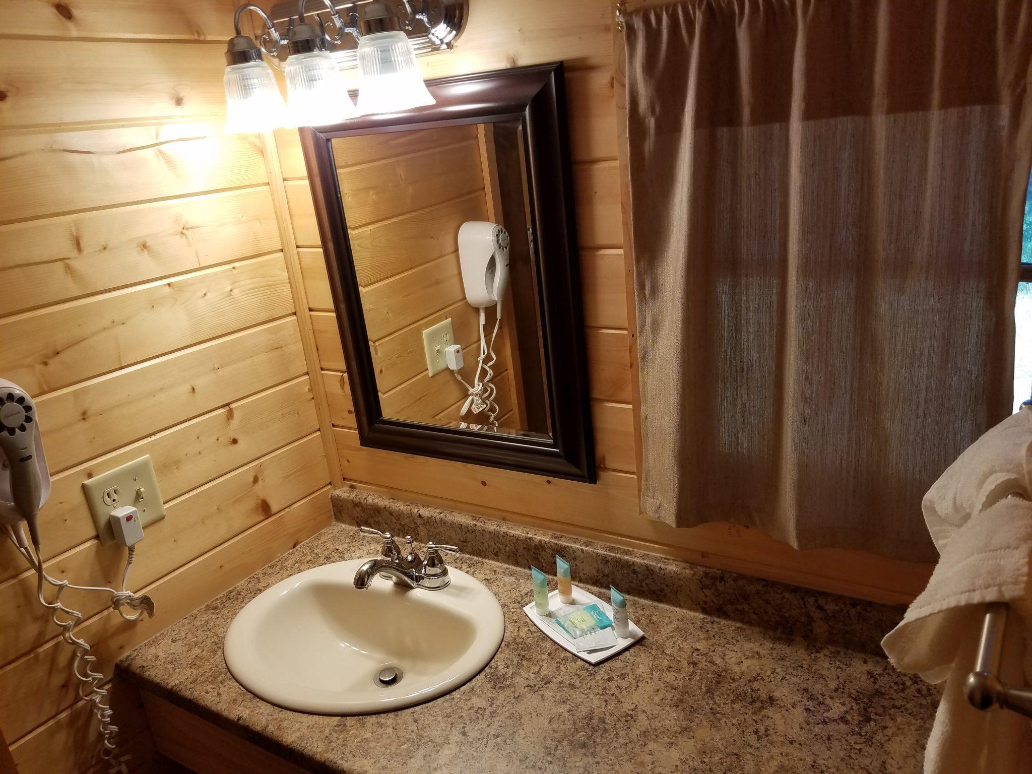 Cottage 11 Bathroom 1 1