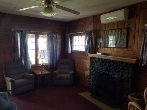 Cottage 11 Living 2