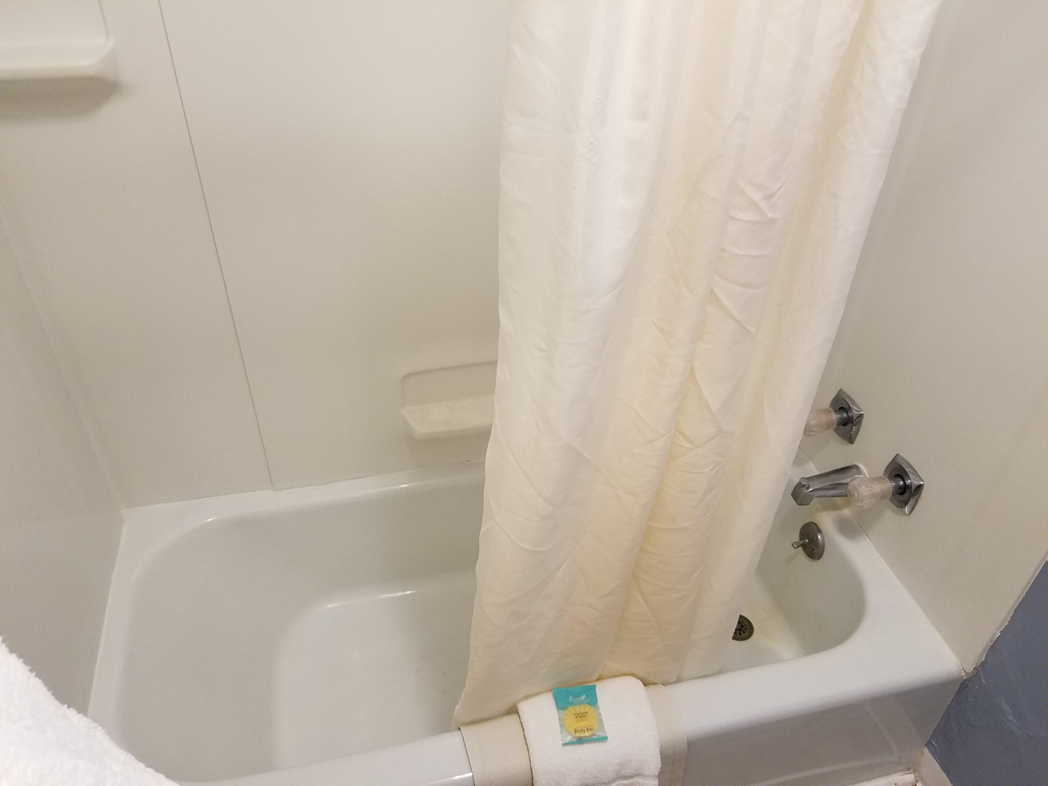 Cottage 4 Bathroom 2