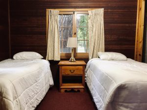 #15 Twin Beds 2