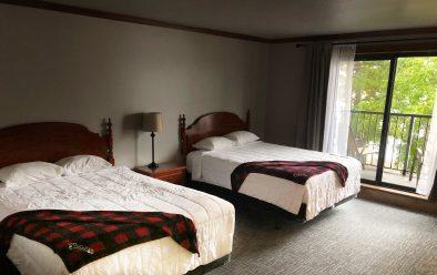 #202 Double Queen Bed