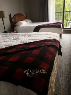 #202 Queen Bed clsoe up